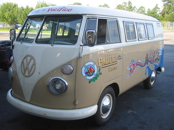 Anhueser-Busch-VW-Bus-New-Beer-pics/1962 VW Driver-Front